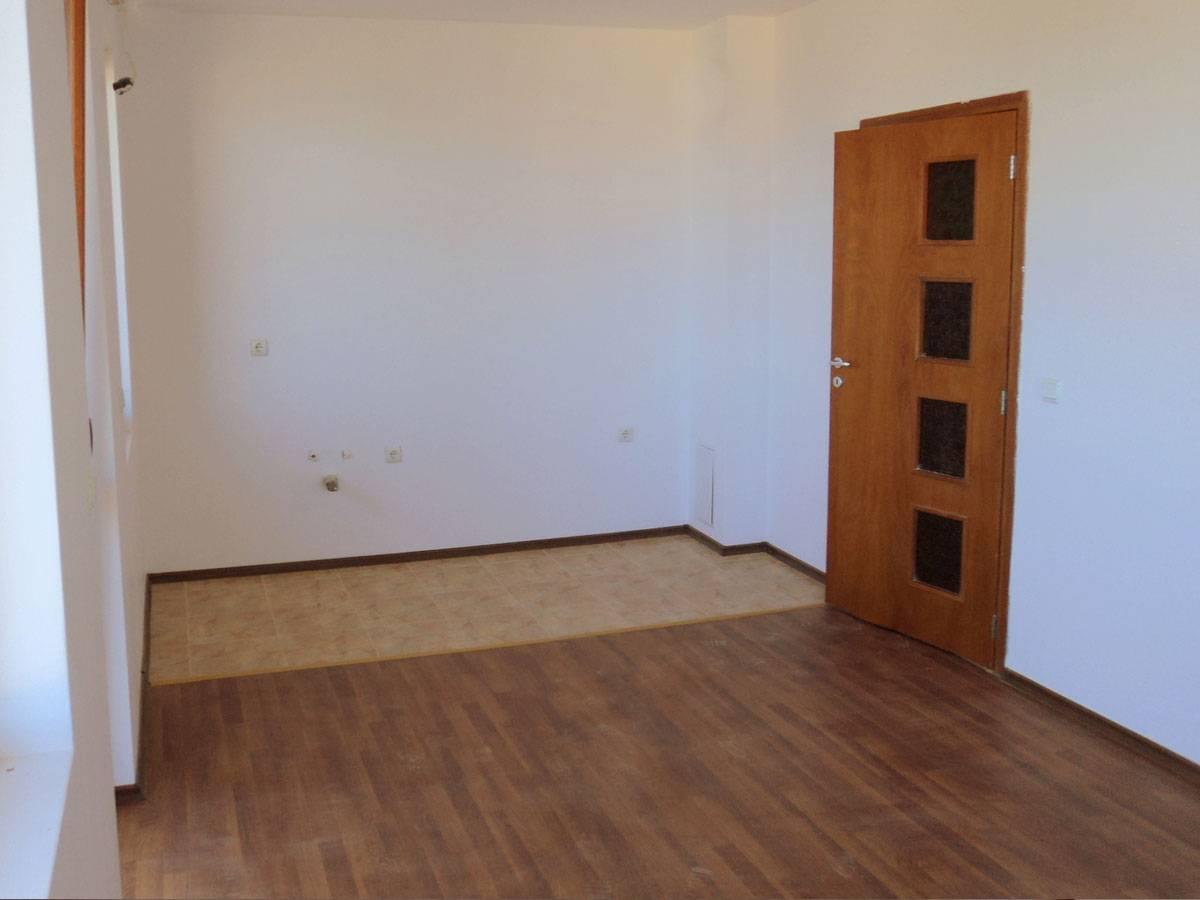 Апартамент №8